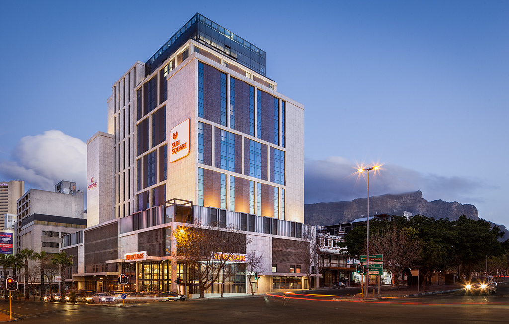 The Sun Square Hotel by Tsogo Sun in Cape Town with Table Mountain in the background